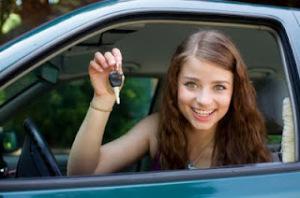 joven-conduciendo
